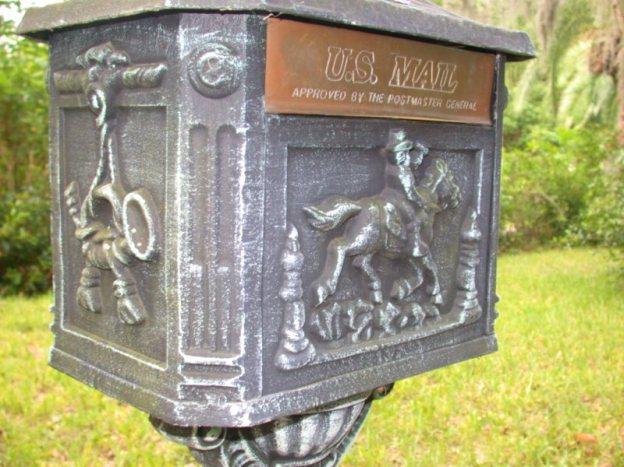 Postal box photo by nadbasher